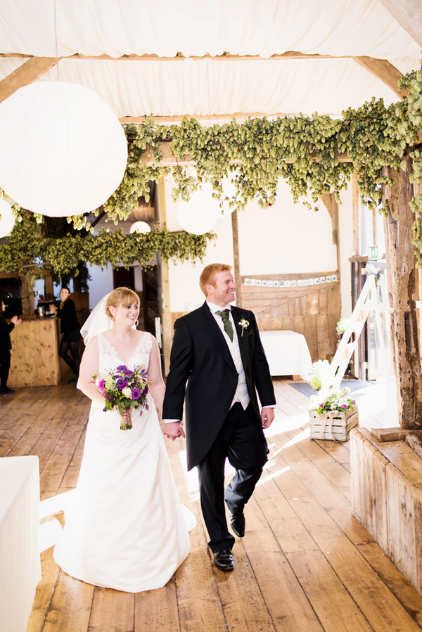 howling-basset-photography-barn-wedding-kent-wedding-rustic-details-purple-details-winters-barns-canterbury (147)