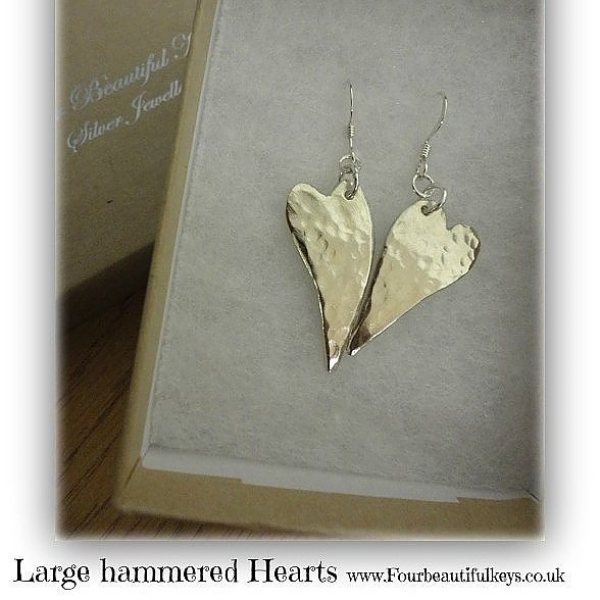 Hammered hearts earrings, silver jewellery, four beautiful keys