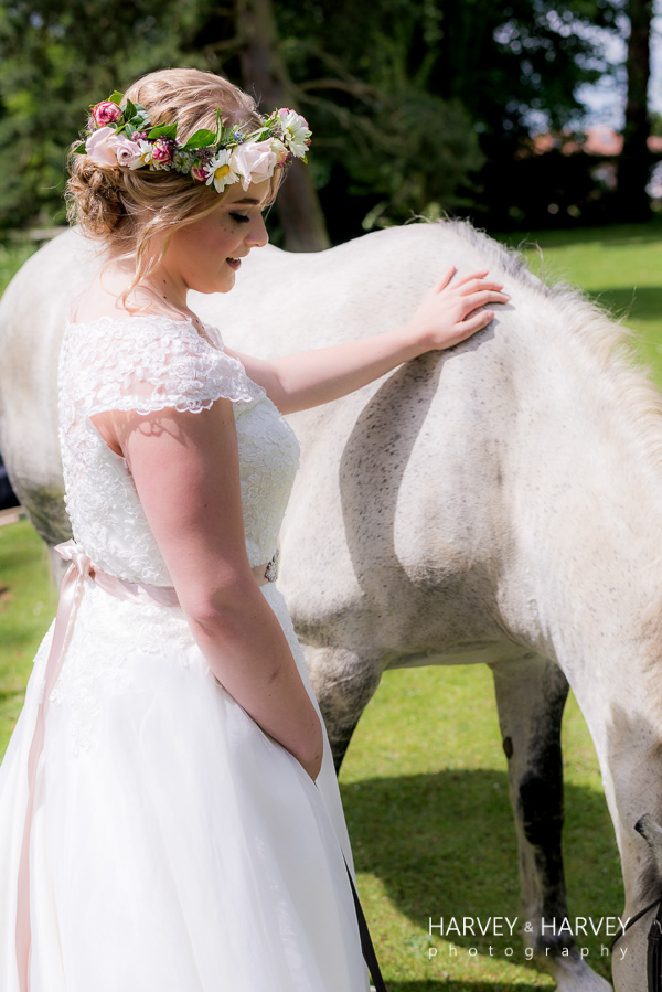 country garden wedding, harvey & harvey photo, irnham hall