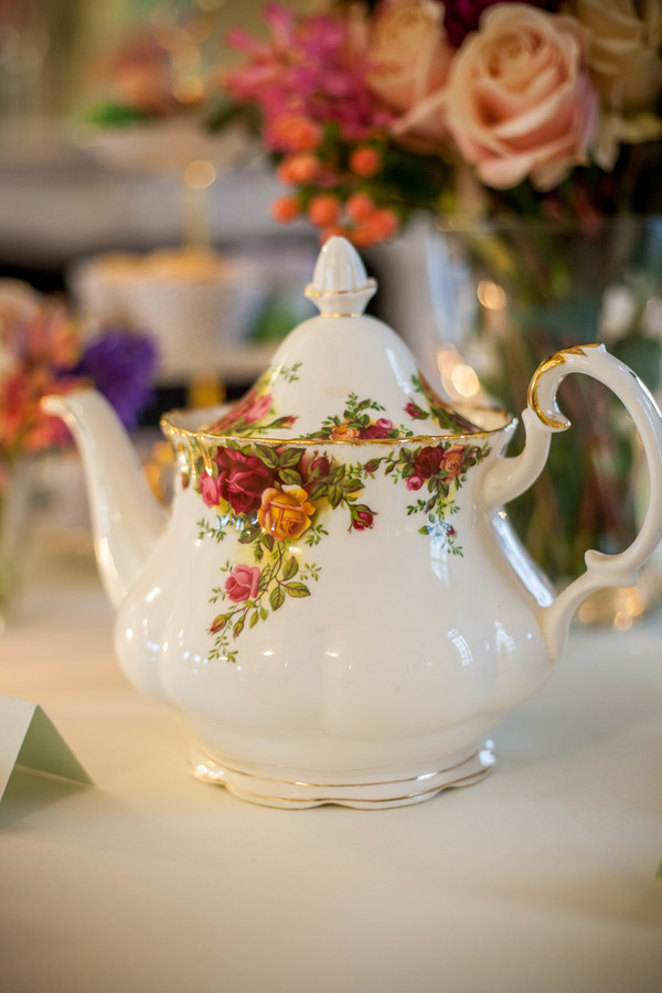 Alegrar-Events-Amanda-Karen-Photography-Vintage-styled-shoot-Vintage-tea-party-bridal-inspiration-shoot-tea-party-styled-shoot-bridal-preparations (36)