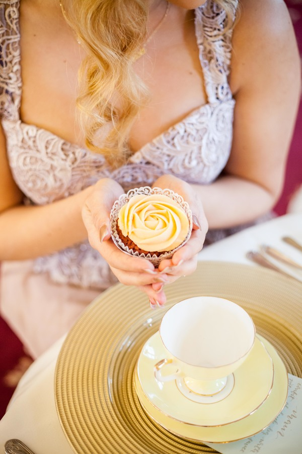 Alegrar-Events-Amanda-Karen-Photography-Vintage-styled-shoot-Vintage-tea-party-bridal-inspiration-shoot-tea-party-styled-shoot-bridal-preparations (57)