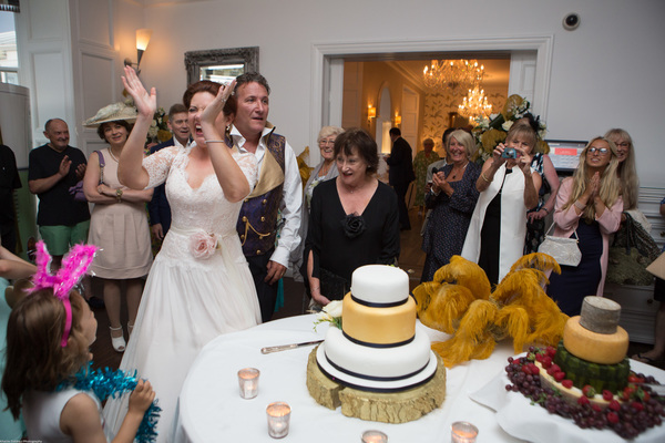 Cornwall-Wedding-Carbis-Bay-Hotel-Khalile-Siddiqui-Photography-Navy-and-Gold-Wedding-Details (46)