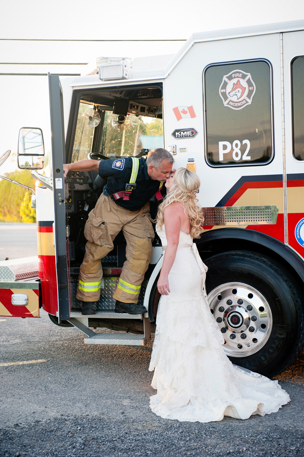 black-lamb-photography-ottawa-wedding-photographer-fire-fighter-themed-wedding-shoot-42