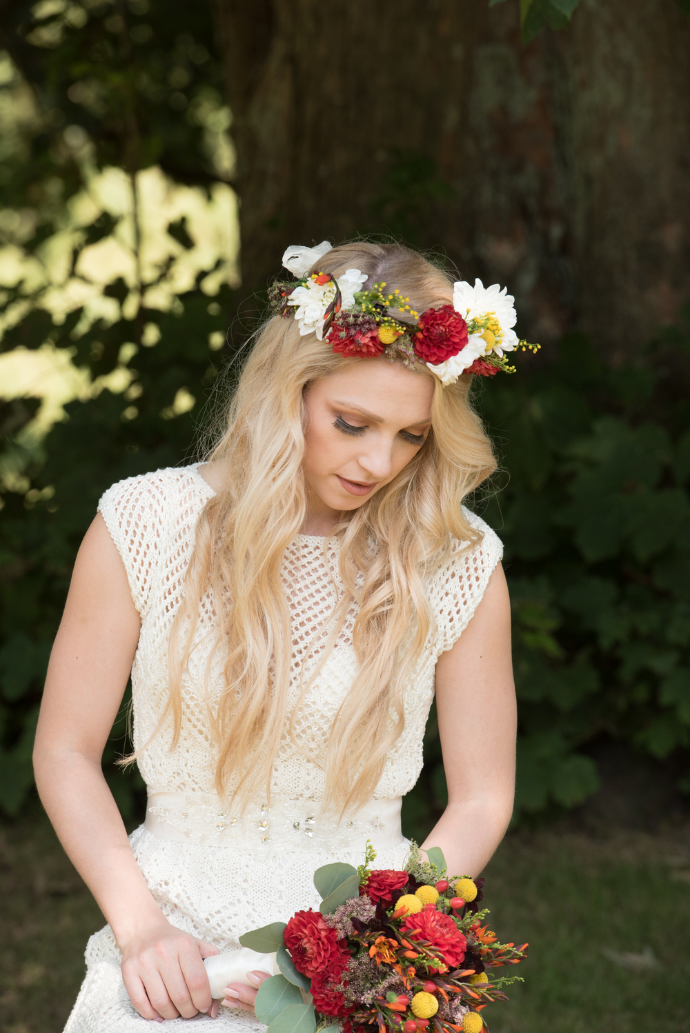 the-robing-room-westernhanger-castle-yvette-craig-photography-the-wedding-flower-company-17