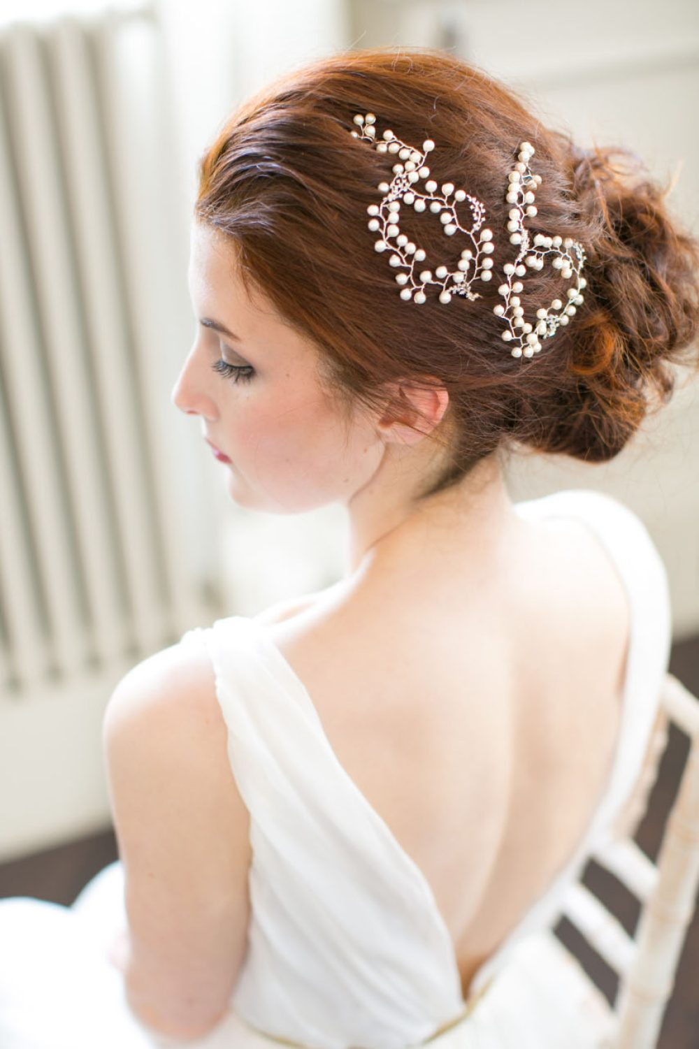 victoria-millesime, babys-breath-pearl-hair-vine-pins, Image by Anneli Marinovich, gold dust collection