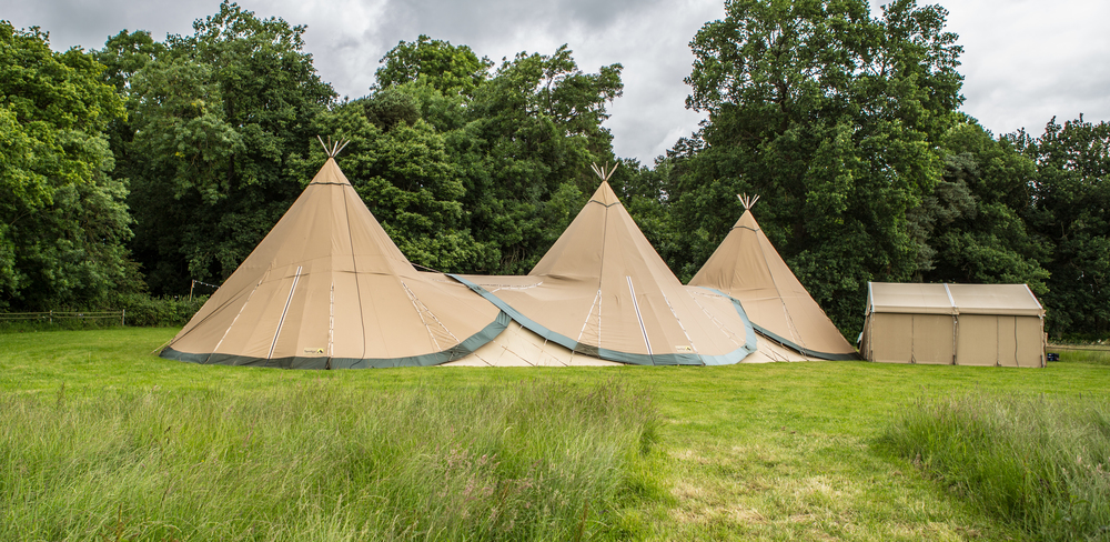 ruth-stolerman-interior-design-pw-images-elite-tents-woodland-wedding-cotswold-wedding-handmade-woodland-wedding-6