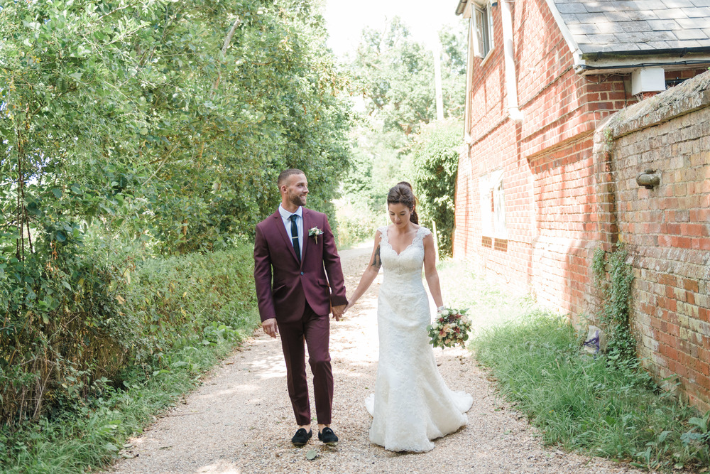 hannah-mcclune-photography-mill-house-hotel-swallowfield-rustic-wedding-burgundy-and-peach-wedding-44