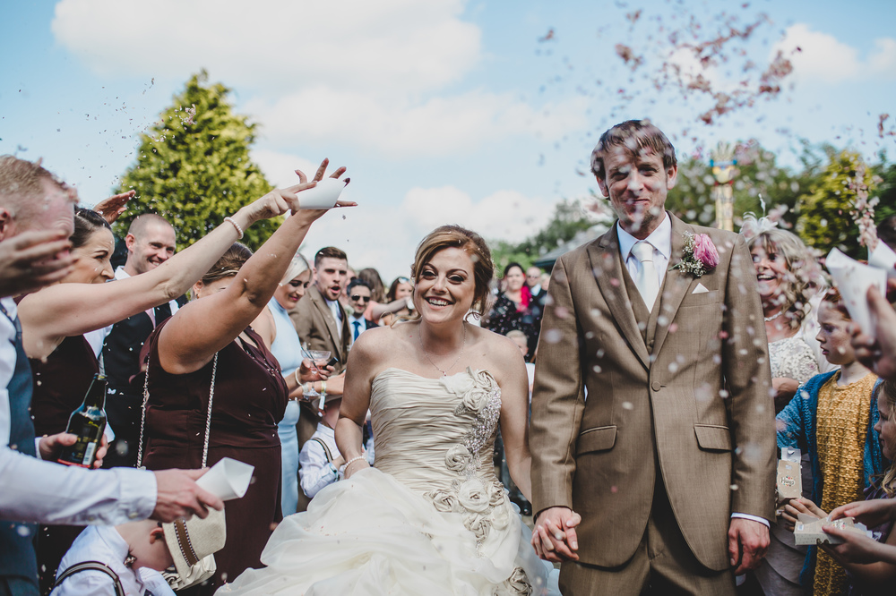 rachel-joyce-photography-glastonbury-themed-wedding-festival-themed-wedding-brown-wedding-colour-palette-mytton-fold-38