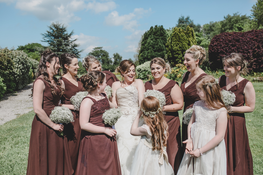 rachel-joyce-photography-glastonbury-themed-wedding-festival-themed-wedding-brown-wedding-colour-palette-mytton-fold-40