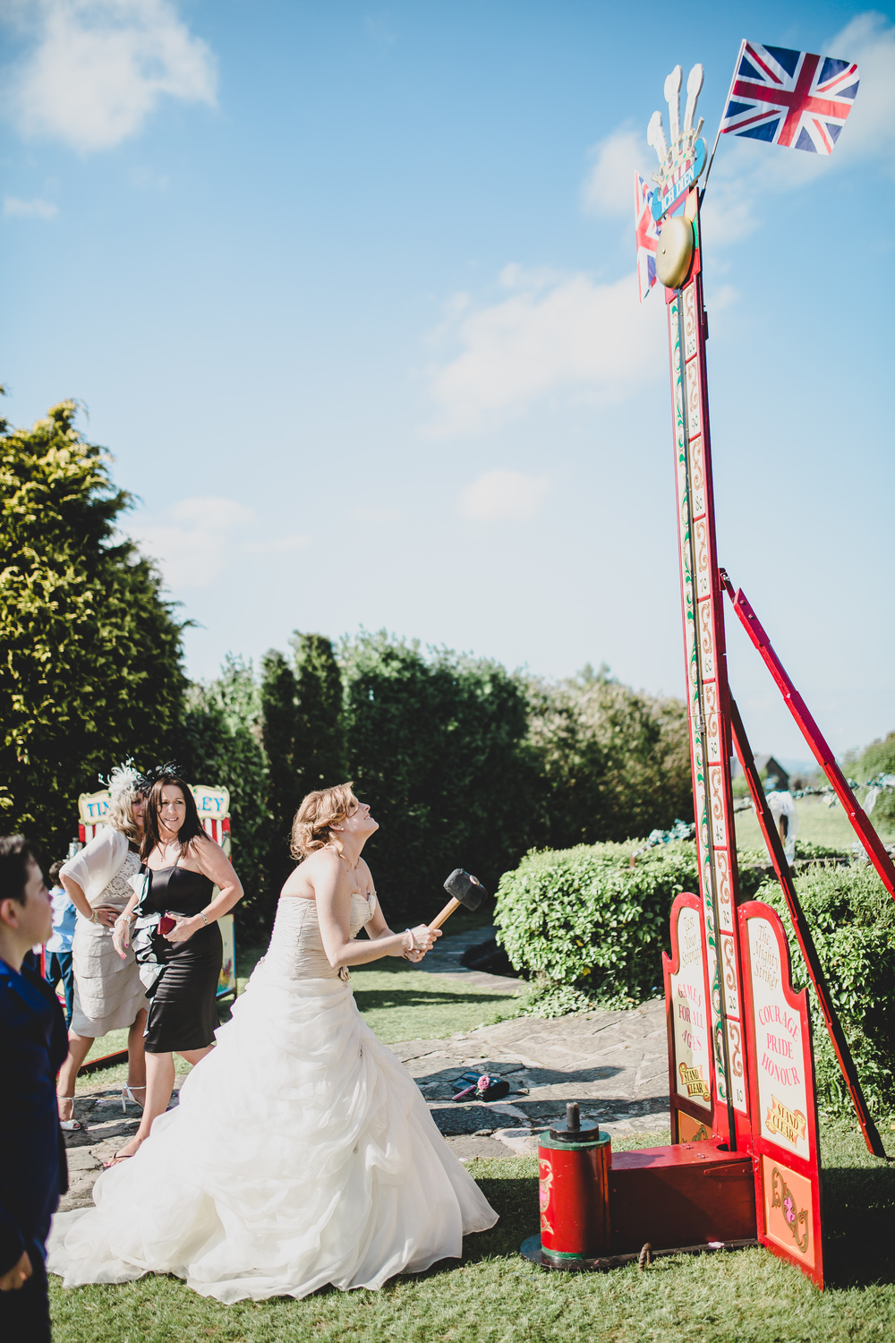 rachel-joyce-photography-glastonbury-themed-wedding-festival-themed-wedding-brown-wedding-colour-palette-mytton-fold-41