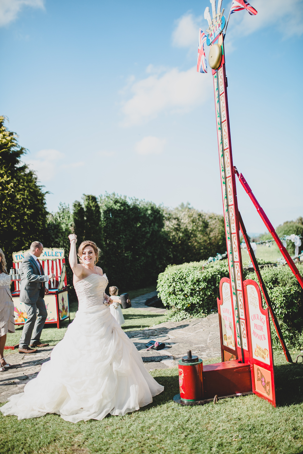 rachel-joyce-photography-glastonbury-themed-wedding-festival-themed-wedding-brown-wedding-colour-palette-mytton-fold-42