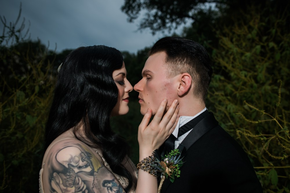 and-how-imaging-gothic-inspired-styled-shoot-gothic-wedding-1920s-theme-wedding-1920s-inspired-styled-shoot-halloween-styled-shoot-gothic-inspired-wedding-40