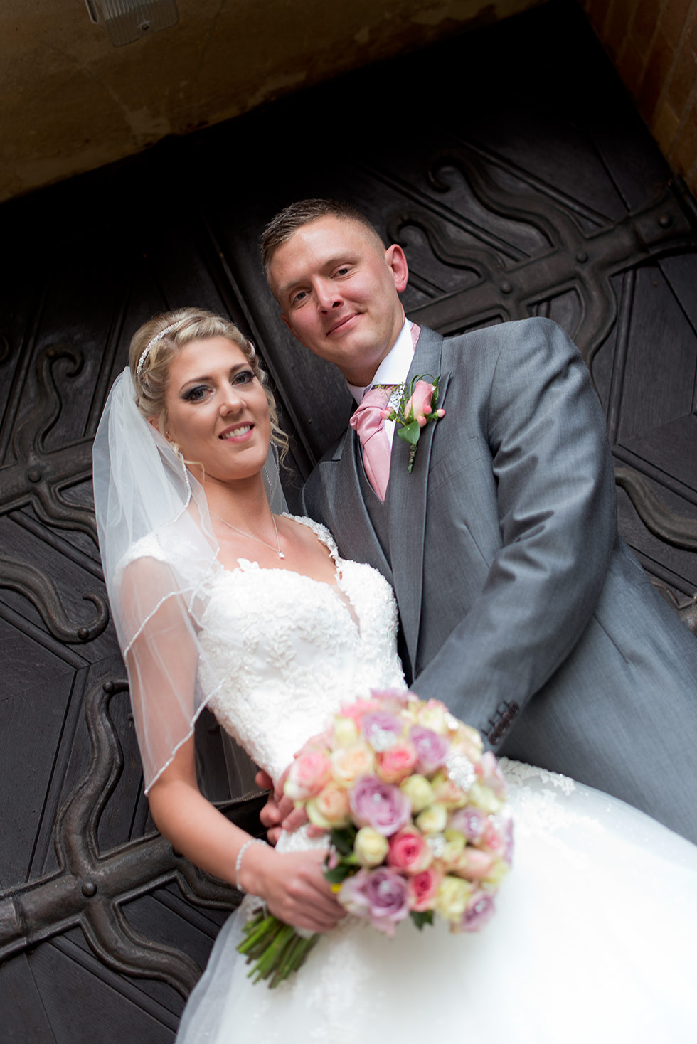 derbyshire-wedding-dusky-pink-and-silver-wedding-palette-autumn-wedding-matt-selby-photography-24