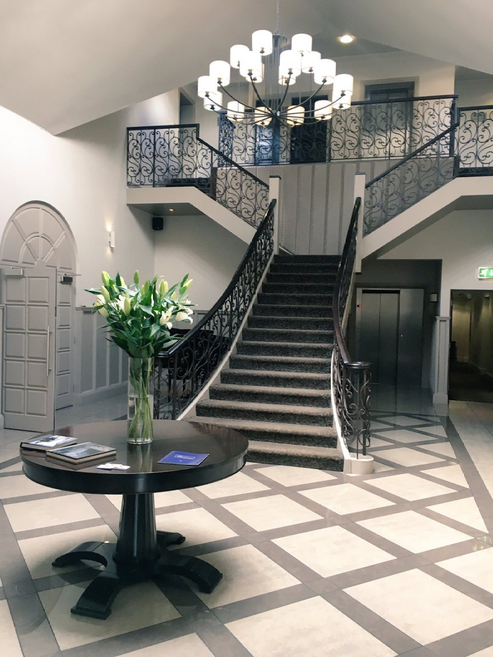 Boutique Hotel: Contemporary Boutique Hotel And
