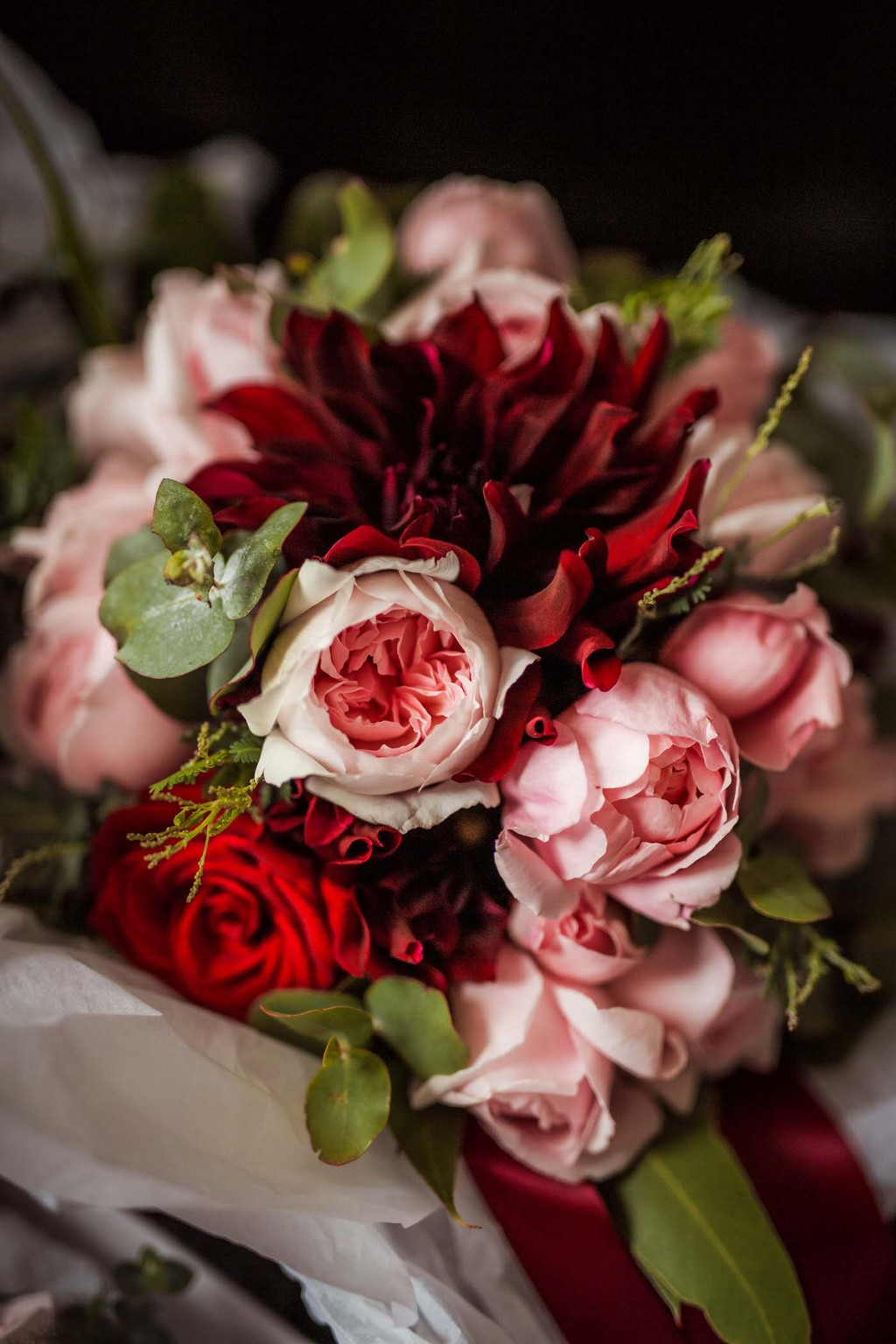 old hollywood inspired wedding - Clarte Photography - red and pink bridal bouquet