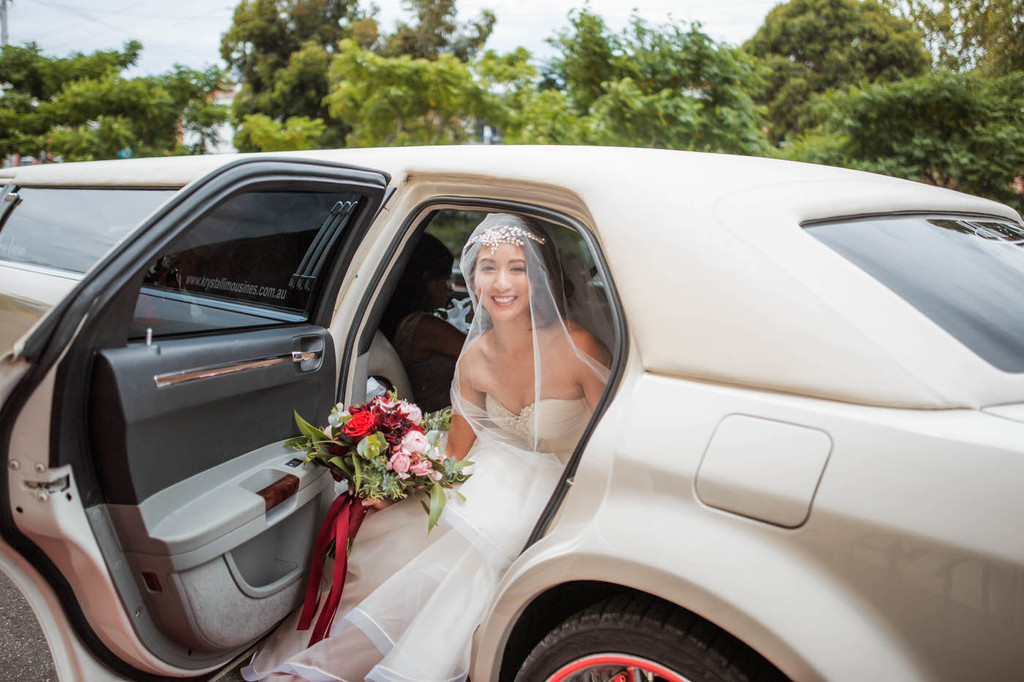 old hollywood inspired wedding - Clarte Photography - bride exiting car