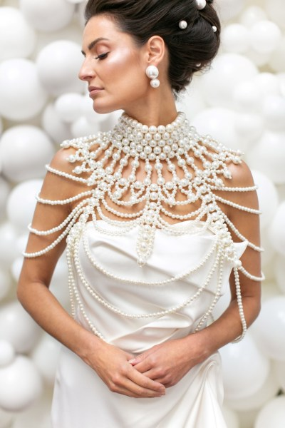 Pearlencia - Exquisite Pearl inspired Wedding Inspiration for the Contemporary Couple
