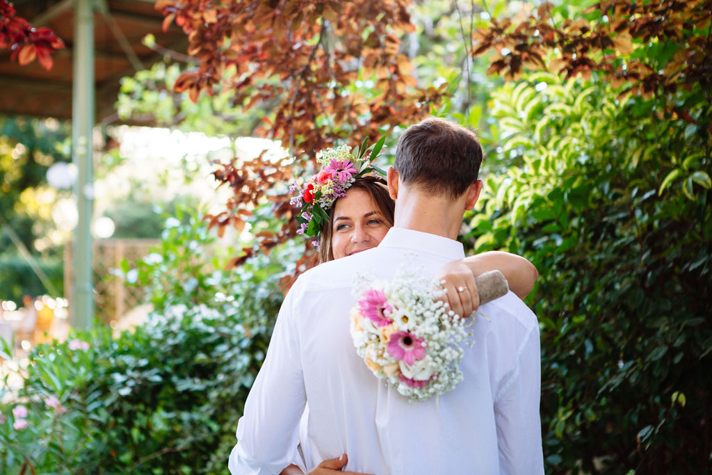 intimate wedding in Tuscany - bride and groom embrace - Elizabeth Armitage Photography