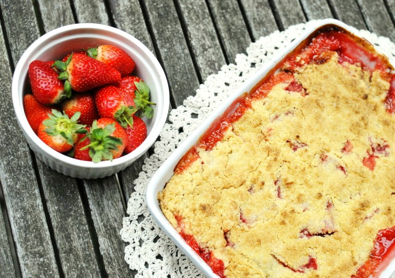 Recipe - Rhubarb and Strawberry Crumble
