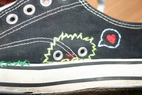 Craftster Pick of the Week – Dablondeemu's Rescued Shoes