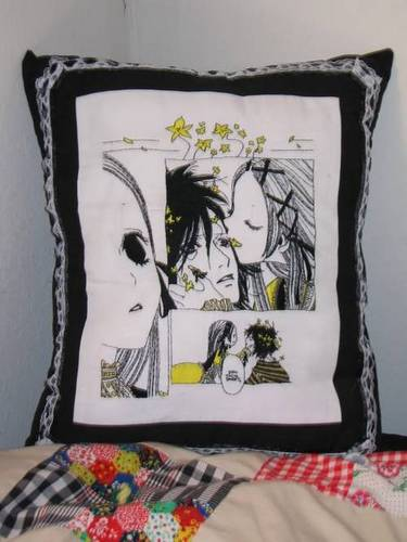 Craftster Pick of the Week – Gothic Lolita Pillow