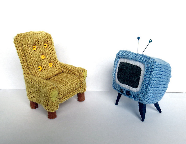 Too Cute Tuesday – Tiny Armchair and TV by Caffaknitted