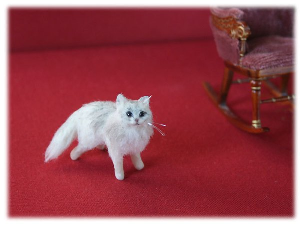 Mikepanchi Animals, needle felted cat