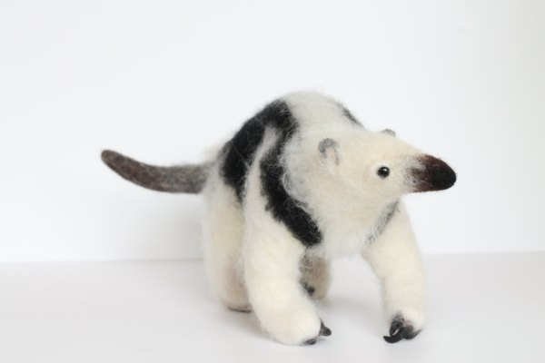 Yvonnes Workshop, needle felted anteater