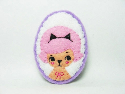 A Girl Who Loves Cats Brooch by Alina Bunaciu (Hand Embroidery)