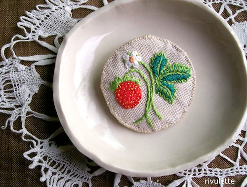 Strawberry Sprig Brooch by Rivulette (Hand Embroidery)