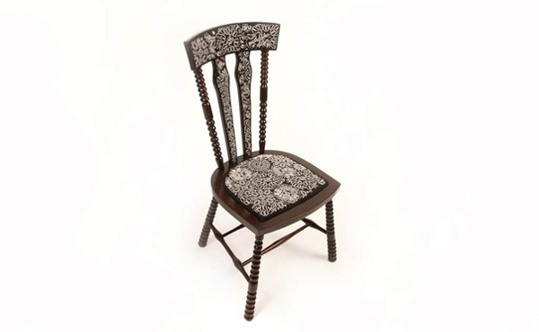 black_chair_full_web2