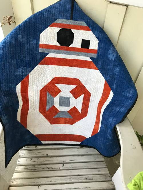 Craftster Pick of The Month – Eowynt's BB-8 Quilt