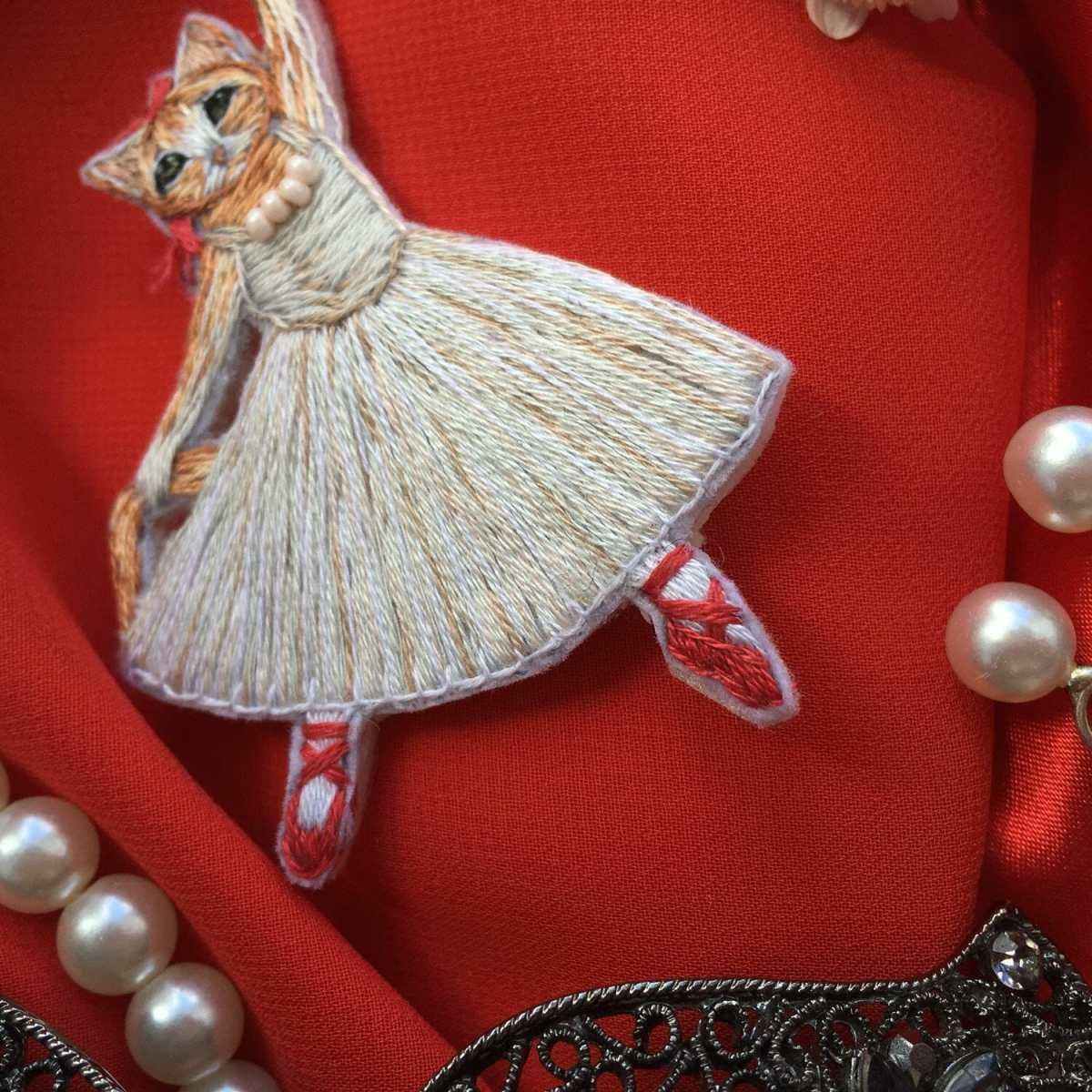 Stitchgasm – Lampa Embroidery