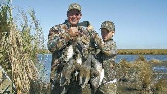 Top 3 late-season duck hunting tactics