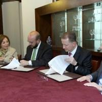 El IMSS firma convenio con la Universidad Panamericana