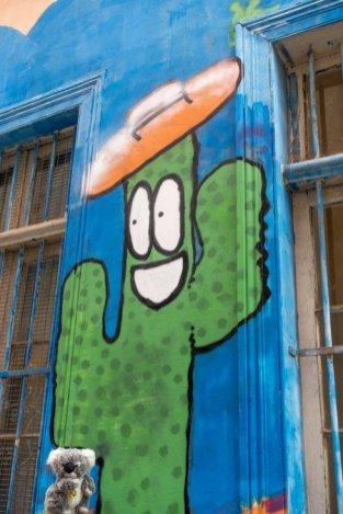 Devant mon pote le cactus en mode Street Art à Valparaiso