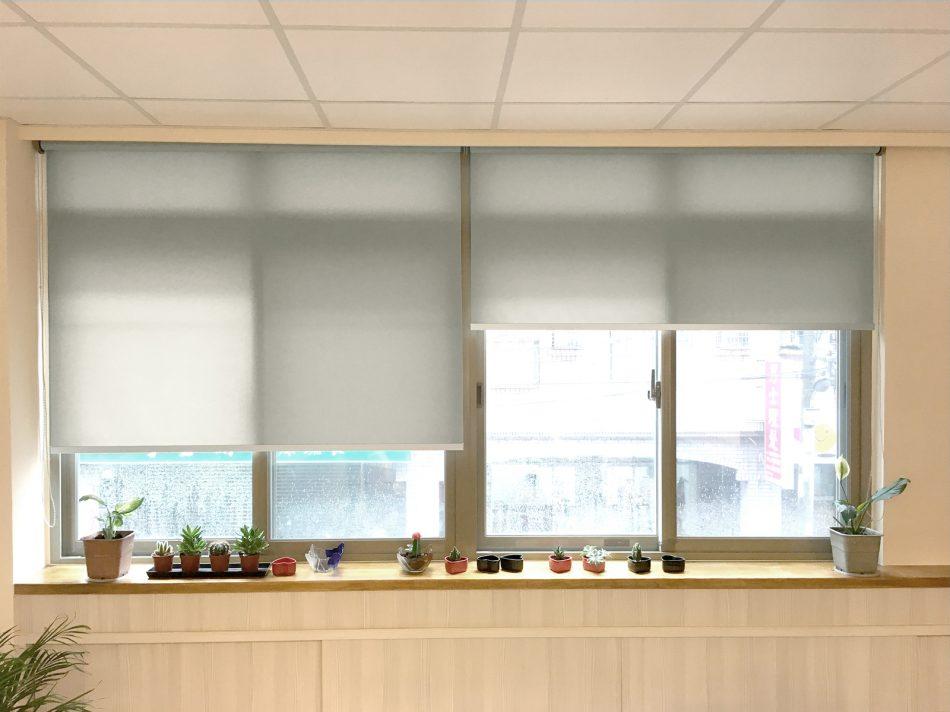 [案例] 明亮又有設計感的辦公室窗簾-PVC半透光捲簾 | MSBT幔室布緹 織品窗簾家飾
