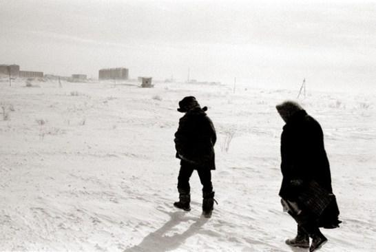 Crossing the tundra outside Vorkuta, Komi, Russia. 2004.