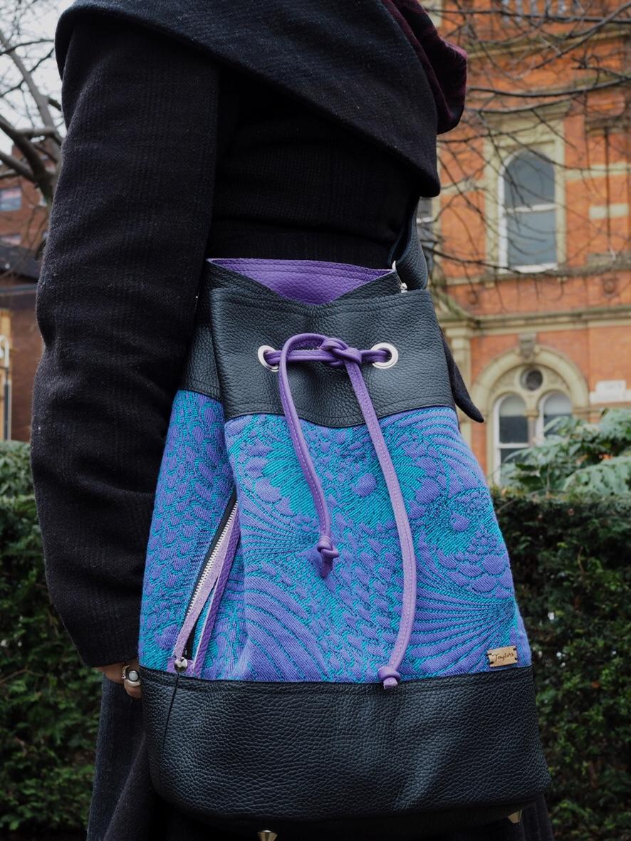 Alice bag as a messenger
