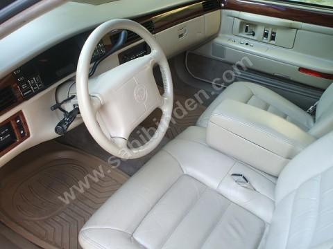 1994 Cadillac DeVille, iç görünüm