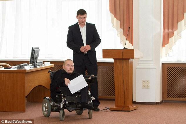 Bilgisayar Bilimcisi Valery Spiridonov doğuştan Werdnig-Hoffman hastası ve vücudunu neredeyse hiç kullanamıyor.