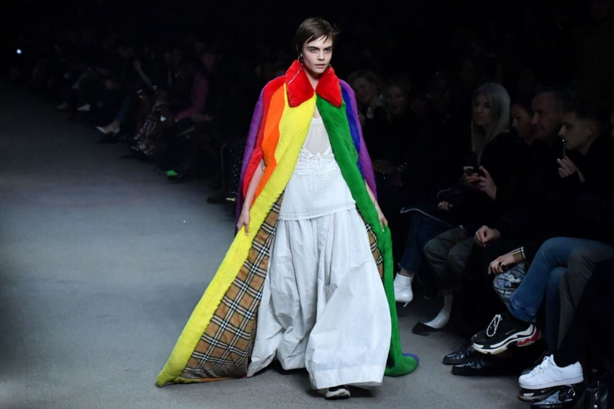 Rainbow fashion is prettiest trend for this season, and we think it's pretty RAD