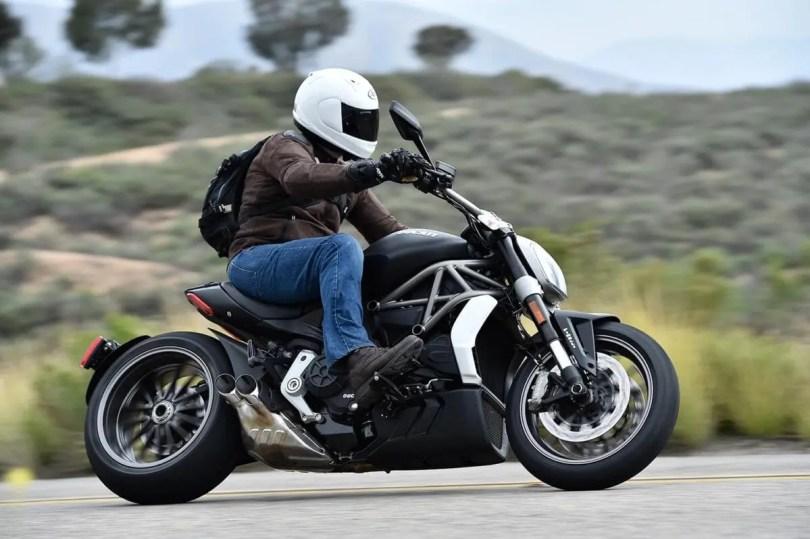 2016-Ducati-XDiavel_010