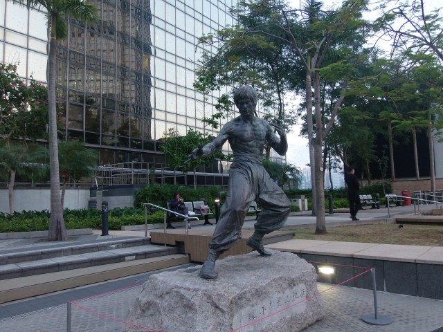 Bruce Lee statue in the Avenue of Stars