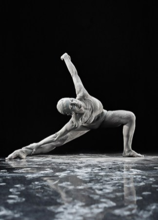 Dust_MSPDStudios_Physical_dance_fine_arts_Mvula_Sungani_Physical_dance_emanuela_bianchini_etoile_ph_alessandro_risuleo1