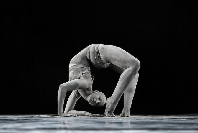 Dust_MSPDStudios_Physical_dance_fine_arts_Mvula_Sungani_Physical_dance_emanuela_bianchini_etoile_ph_alessandro_risuleo4