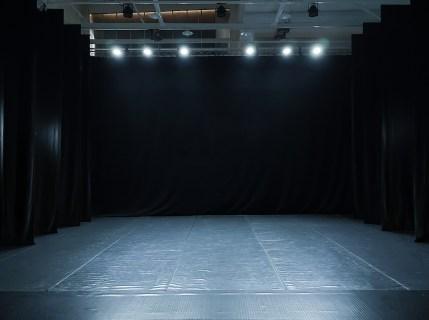Mvula_Sungani_Physical_Dance_Studios_Black_Box2