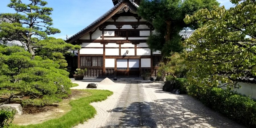 Shofukuji Temple is Japan's first Zen Buddhist temple and is part of the Hakata Old Town walking tour.