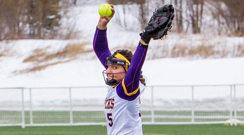 Softball back on track; sweep series against Upper Iowa