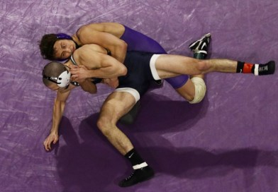 Wrestling Improves to 2-0 Over Vikings